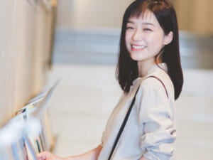 噂のシンデレラ女優、小牧那凪さんと映画館で…目が合った!