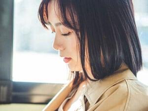 注目の女優、吉田志織さんはうつむいた横顔も美しすぎる…!