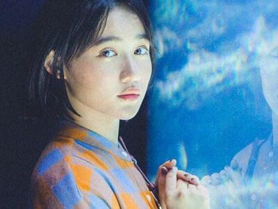 ハロプロの元気なアイドル、佐々木莉佳子さんの水族館での表情にドキッ
