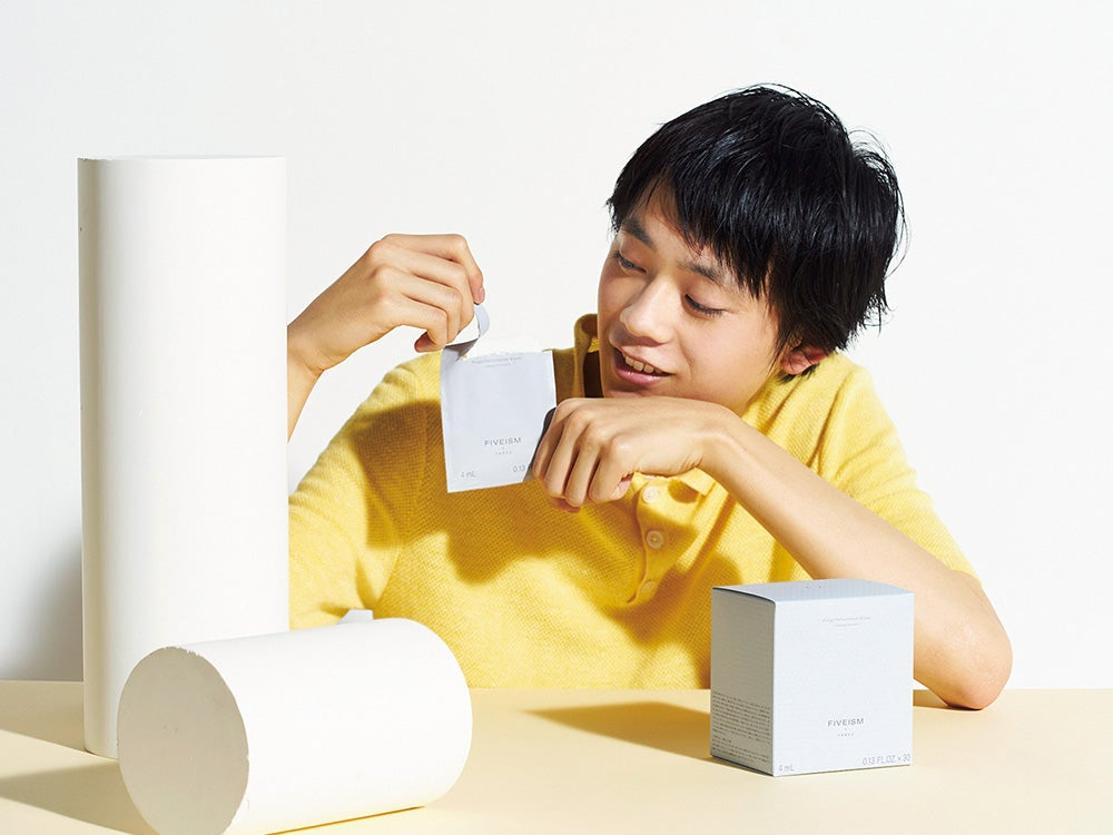 愛用者続出、FIVEISM × THREEの汗や皮脂汚れを簡単に落とせる個包装のシート