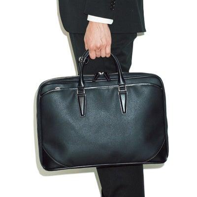 きちんと感と実用性を備える、スーツのためのビジネスバッグ4選