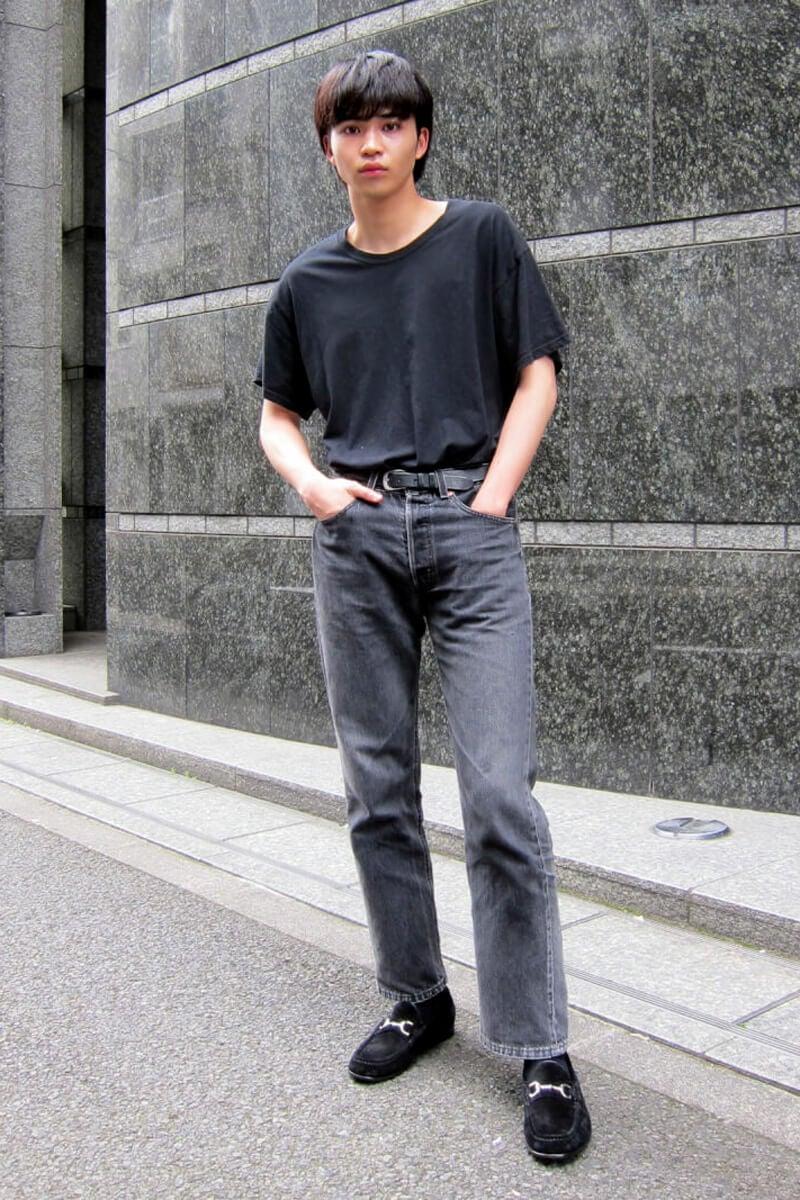 筋トレで体型が変わったら、同じ黒の着こなしも変化したような…?