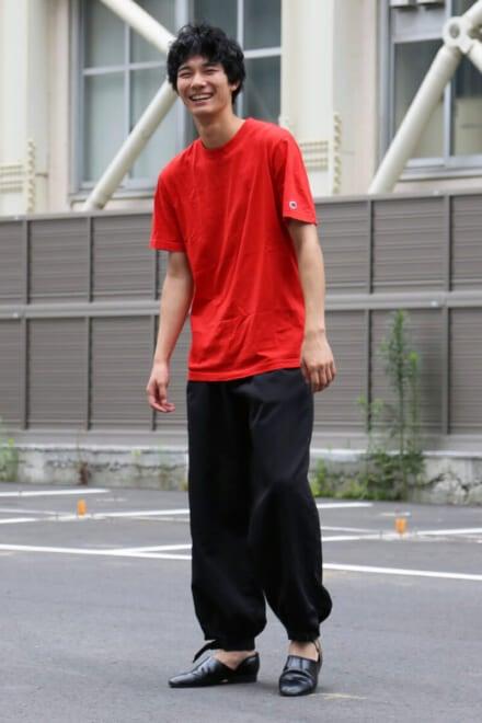 めったに着ない赤Tは、あの人からのお土産です!
