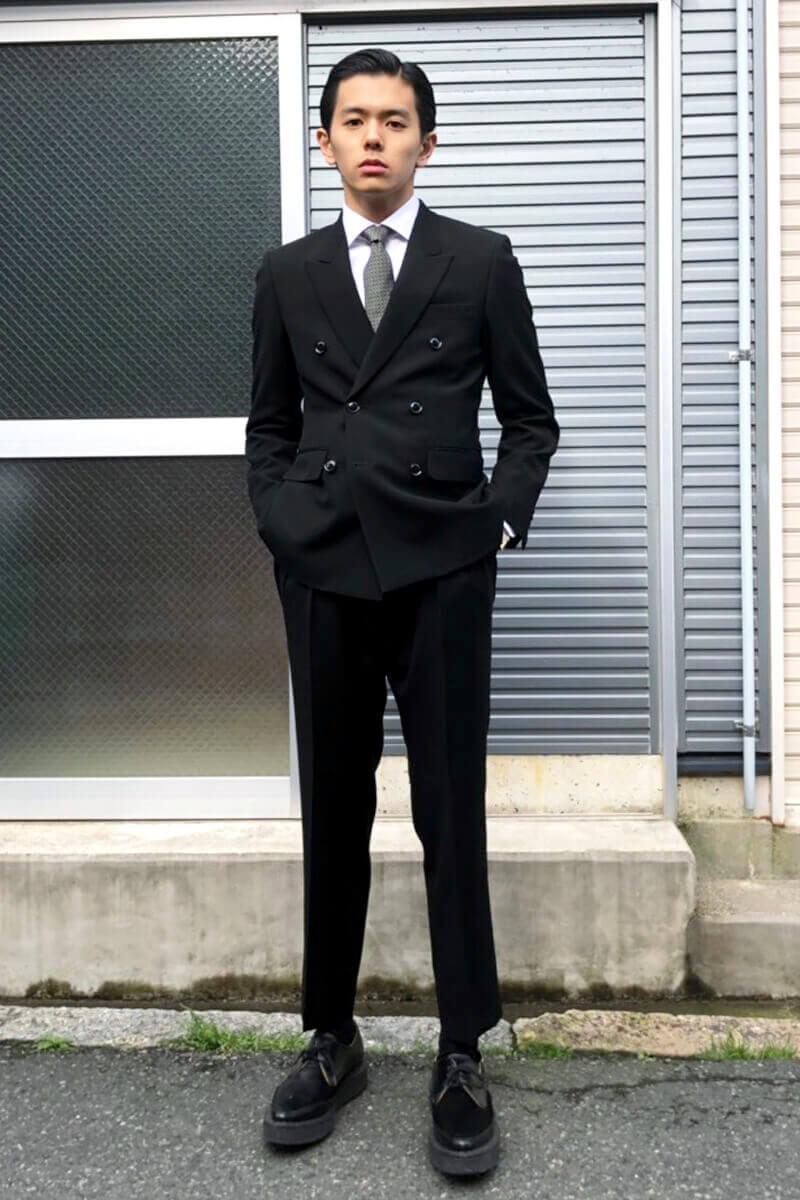 成人式に参列したスーツスタイルです!