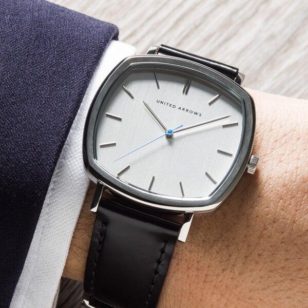 2万円台でスーツ姿がおしゃれになる!「ユナイテッドアローズ」の時計