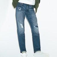 この春の「ユニクロ」ダメージジーンズは、加工と色落ちが絶妙!