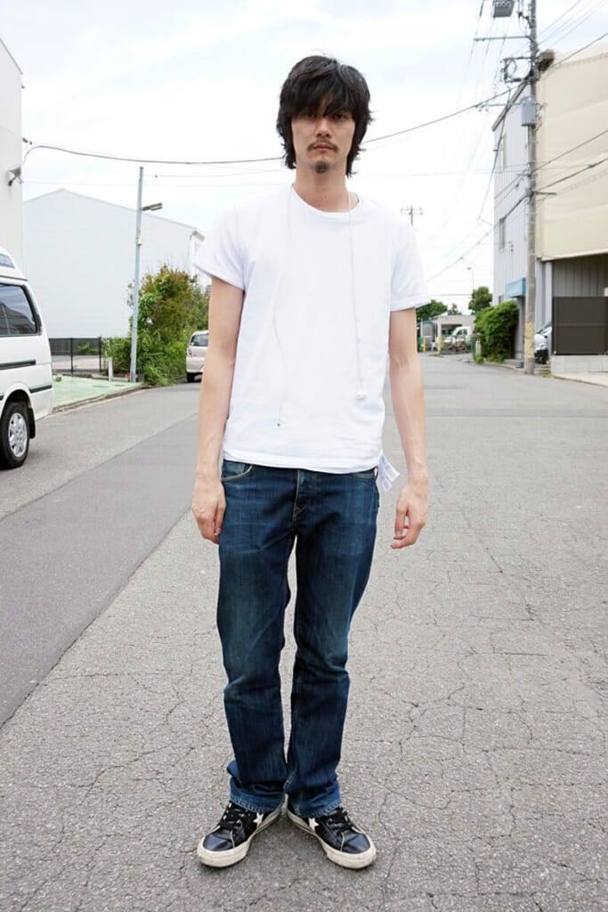 白Tシャツは2枚重ねて着る、その理由は…