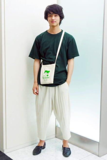 Tシャツとバッグで色をシンクロさせてみました!