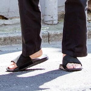 ブーツだけじゃない!「UGG」のスニーカーとサンダルを履いてみた