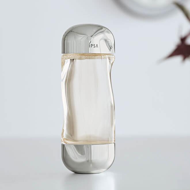 スキンケアもおしゃれの一部! 清潔感ある肌になれる「イプサ」化粧水