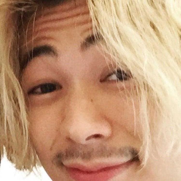 金髪になった成田 凌より。「みなさん、かっこつけましょう!」