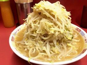 ラーメン二郎の「大」に挑戦。食べきれるのでしょうか?