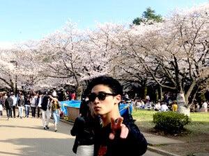 桜と。かっこつけていますが花粉がつらかった思い出(笑)
