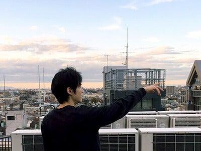はじめまして、鈴鹿央士です。東京のビル群に驚いています…