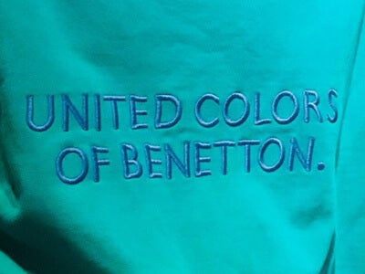 90年代の「ベネトン」のスウェットを古着屋で発見しました!