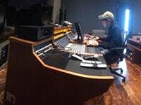 撮影に、レコーディングに、大充実した毎日を送っています!