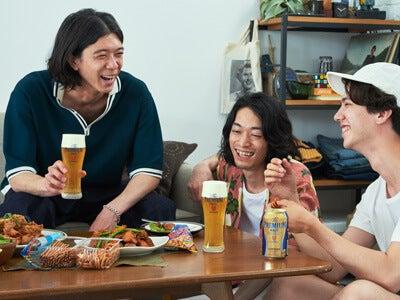 """おしゃれな宅飲みに欠かせない、おいしいビールは""""神泡""""が決め手!"""