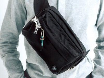 ブラック × ゼブラ!「PS ポール・スミス」の新しいバッグ