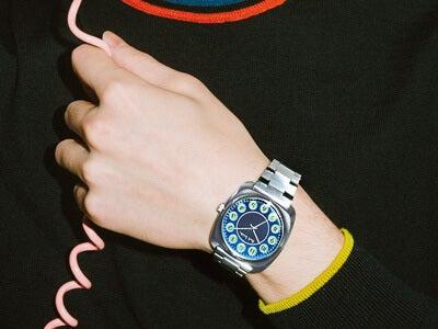 レトロなポール・スミスの時計は、懐かしいダイヤル式の電話機がモチーフ