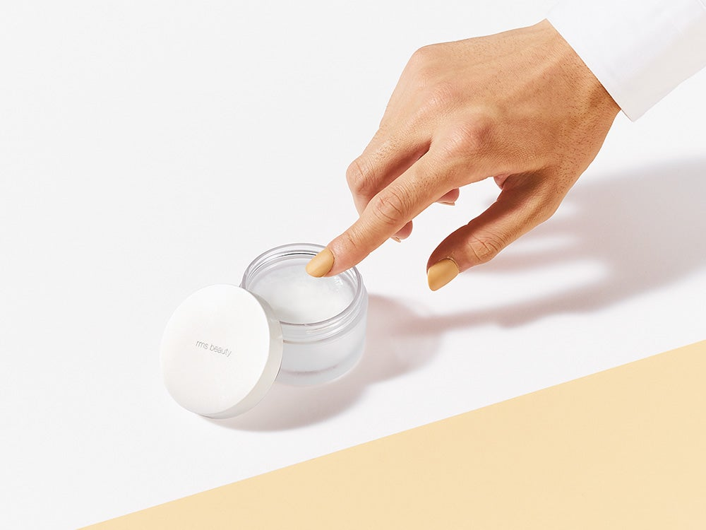 「rms」の保湿クリームは、非加熱&無添加のココナッツオイルでカサつく肌をケア