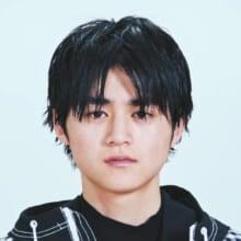 鈴鹿央士(2020年6月号)