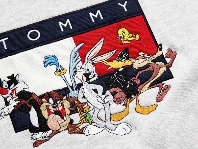 バッグス・バニーやトゥイーティーが「トミー ジーンズ」で大騒ぎ!