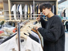 遠藤史也が選んだ、夏まで着られる大人っぽい開襟シャツ!