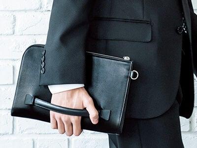 結婚式で悩んでしまう所持品。バッグと財布の正解は、これだ!