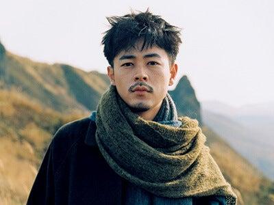 成田 凌、北海道ロケの未公開写真と空の旅のオフショット集