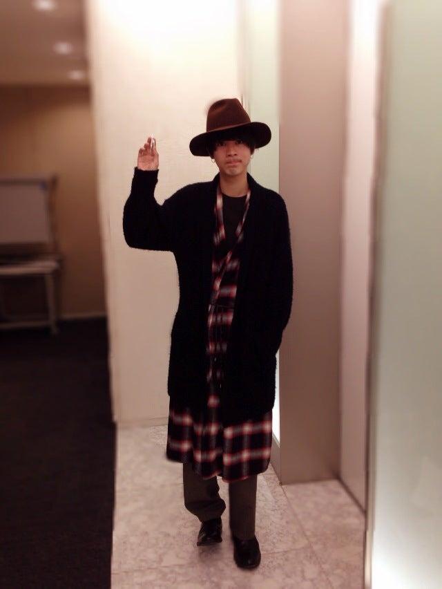 帽子は原宿の「dude」で買った「yotsuba」です。春夏はキャップやセットアップも人気で、まだあまり知られていないブランドなので狙い目だと思います。あと、5月12日からNHKのBSプレミアムで放映される連続ドラマ「ランチのアッコちゃん」に出ます。