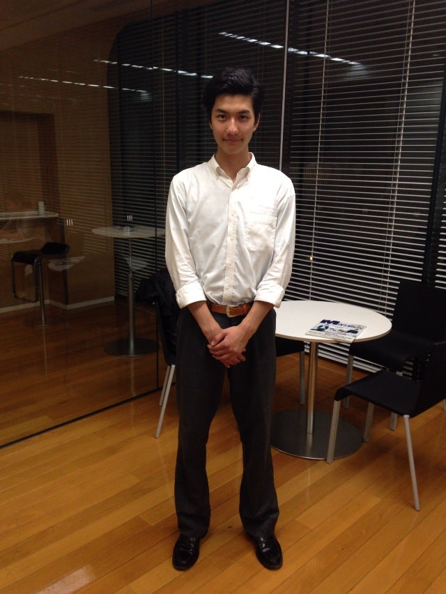 ボーイズアワードでメンズノンノ賞をいただいた鈴川博紀と申します。カッコいい先輩のみなさんを目標に、メンズノンノモデルとして頑張りますので応援宜しくお願い致します。あと、編集部に来たら写真撮られてアップもされちゃってビックリ。モデルって気を抜けないんですね(笑)。次はオシャレして来ます!