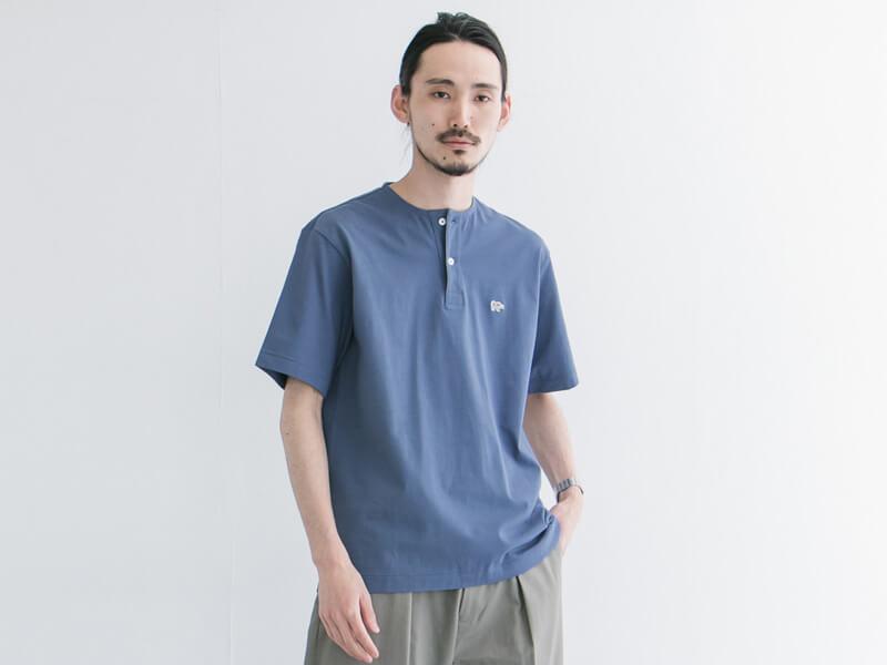 アーバンリサーチ×サイ ベーシックスのコラボTシャツは極上ヘンリーネック!