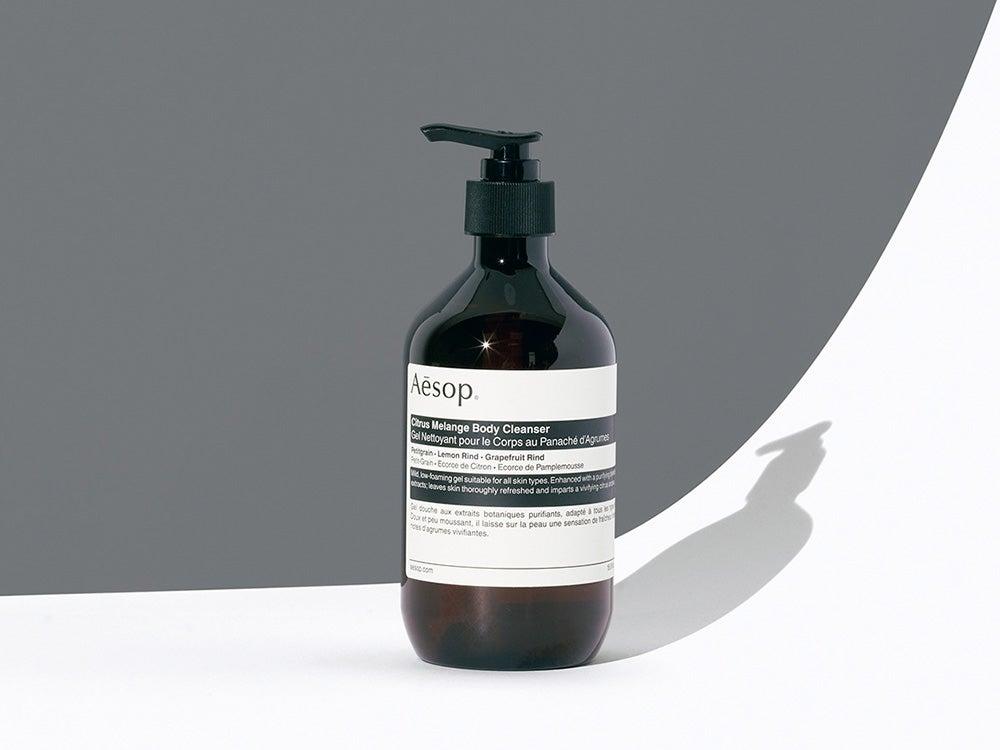 柑橘の香りが心地よいイソップの新ボディソープ。しっかり洗いつつ肌をなめらかに