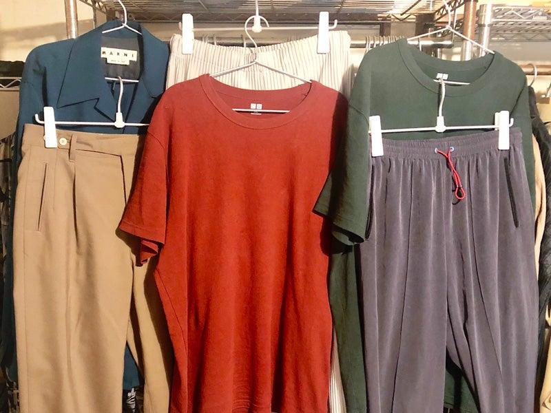 洋服ラックがいつの間にかカラフルに。今年はいろんな色を着たい!