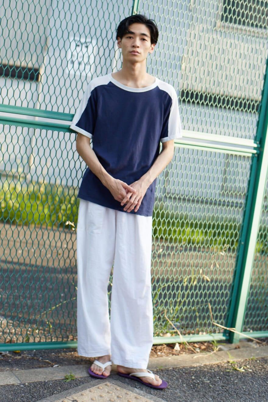 着心地抜群なメゾン マルジェラのTシャツで、都会的なリラックススタイルに