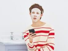 本人私物ルポ! 宮沢氷魚の美容②「ながら」で続ける愛用のシートマスクは?