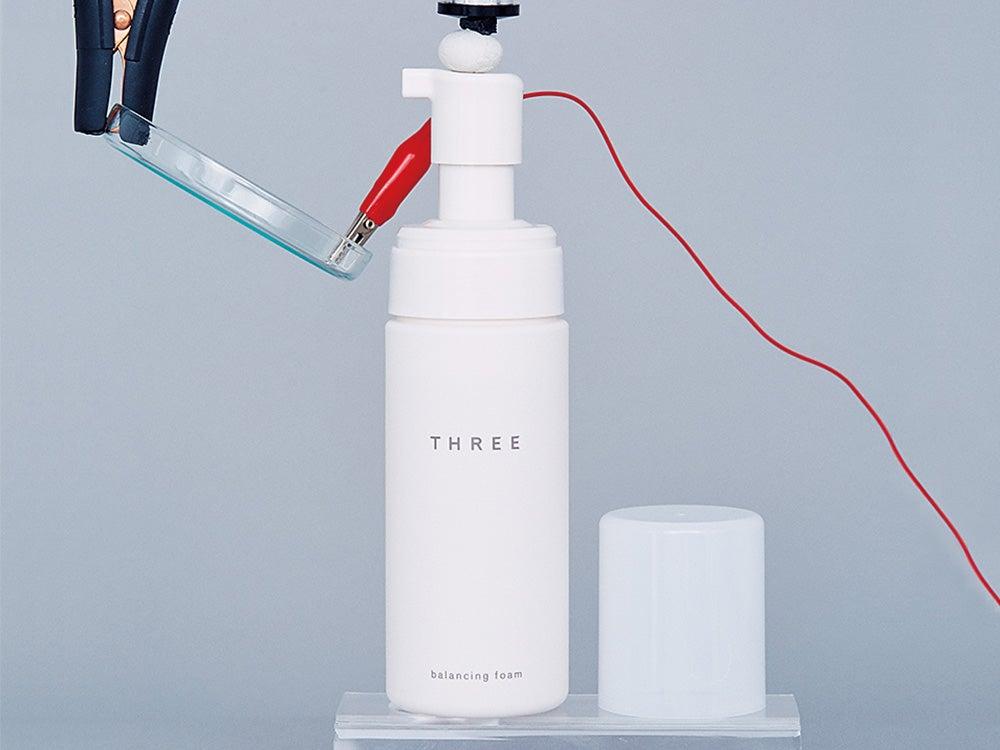 """新発売のTHREEの洗顔料。美容センパイ・守屋は植物由来の""""いい香り""""を高評価"""