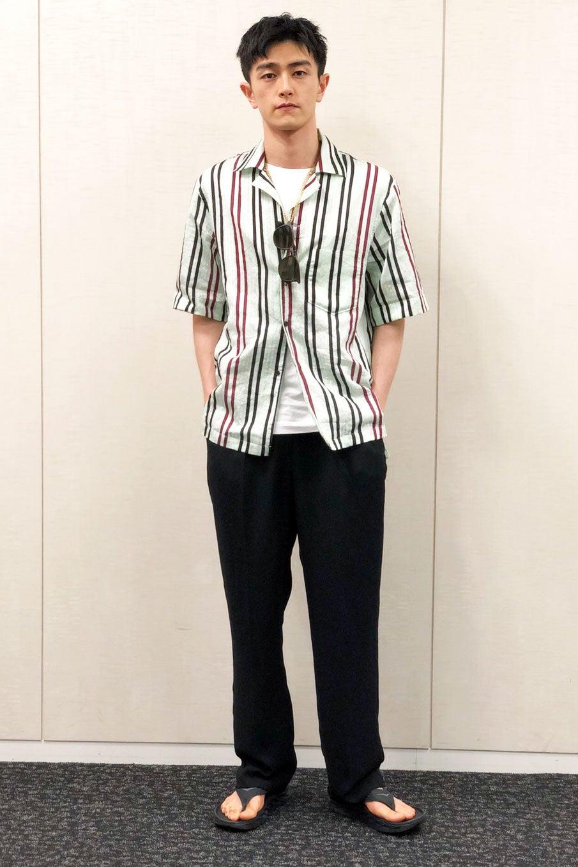 アクネストゥディオズのストライプシャツは爽やかなカラーがポイント!