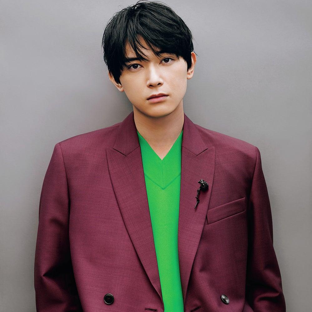 メンズノンノ9月号発売! 吉沢 亮がヴァレンティノの新作を着こなす!