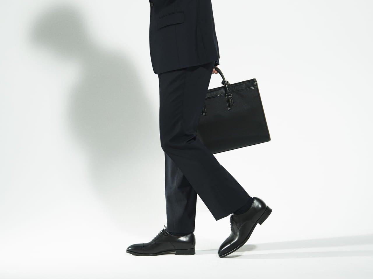 スーツのパンツを正しくはきこなす、4つのフィッティングのポイントとは?