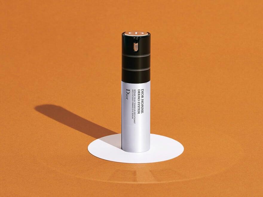 毎日、目を酷使している今使いたい、ディオールから目元用美容液が新発売