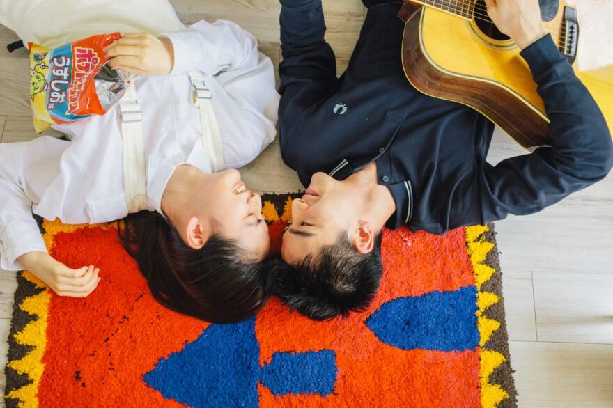 八木莉可子×岩上隼也のまったりおうちデート、ウェブ限定カットとメイキングムービーを特別公開!