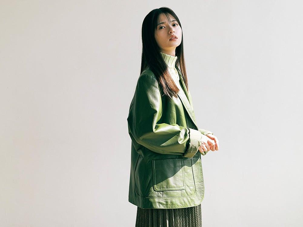 乃木坂46 齋藤飛鳥の2/her 「ツイード」をキーワードに着こなす2つのスタイル