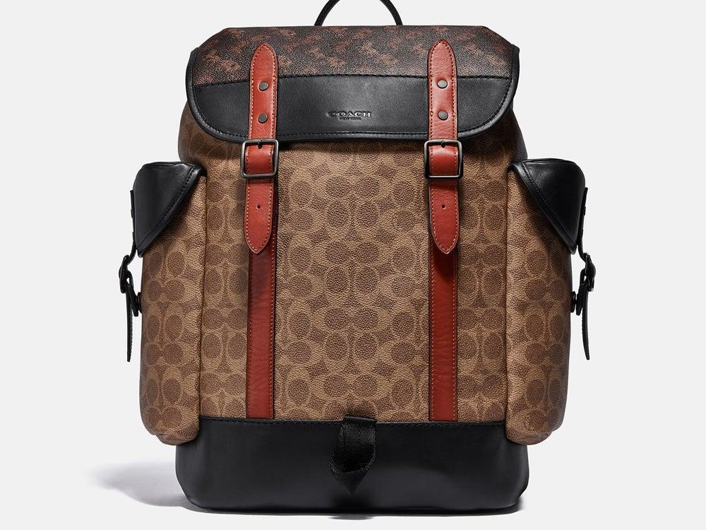 コーチの新作は長く愛用できる元取れバッグ!コーデに合わせやすい優秀デザイン