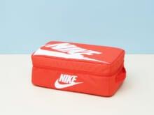 スニーカー用のバッグが収納に使える!【新生活インテリア・買いたいものカレンダー/収納&棚編⑥】