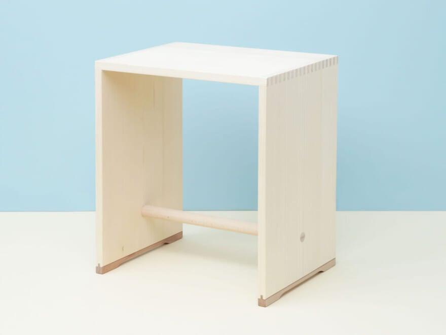 椅子、テーブル、ラック…使い方無限大の名品スツール【新生活インテリア・買いたいものカレンダー/家具編④】