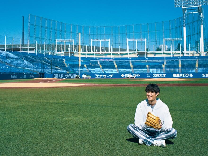 第5回 ループウィラーの別注スウェットで明治神宮野球場へ【宮沢氷魚のタイムレスに会いに行く】