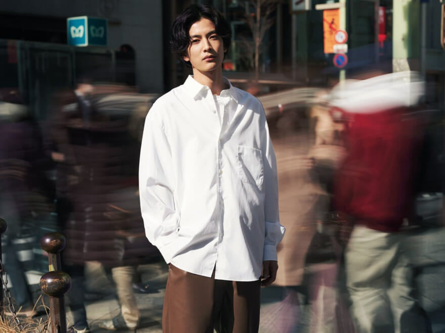 【渡邉圭佑×白シャツ】人気俳優のシャツスタイル・ポートレート