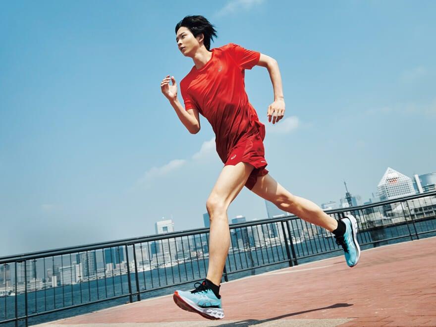 """【RUN for X】鈴木 仁が走る理由。アシックス「NOVABLAST 2」が、僕らの""""可能性""""を広げる!"""