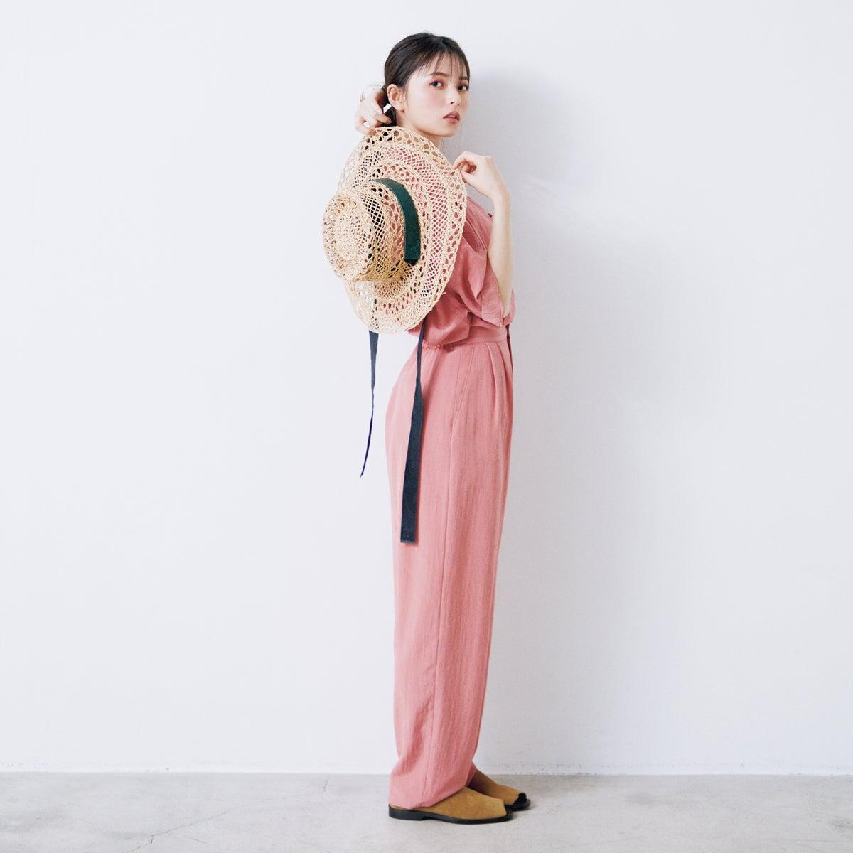 乃木坂46 齋藤飛鳥の2/her 「ピンク」がキーワードの2つのスタイル
